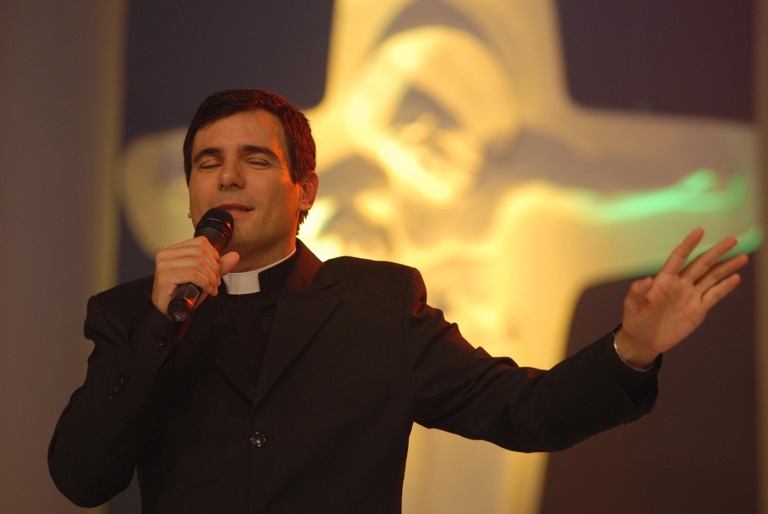 Padre Juares De Castro: Padre Juarez De Castro Domingo Em São João Da Barra
