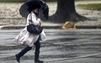 Nova frente fria pode trazer chuvas com ventos de até 76 km/h em SJB