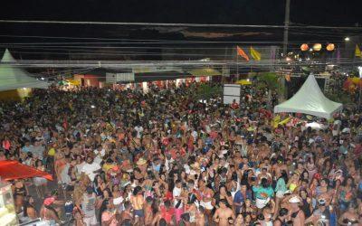 Borracha Fraca agita multidão em Atafona