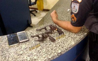 Suspeitos de roubo em hotel são presos com revólveres em SFI